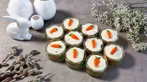 Saftige Karottenküchlein im Glas