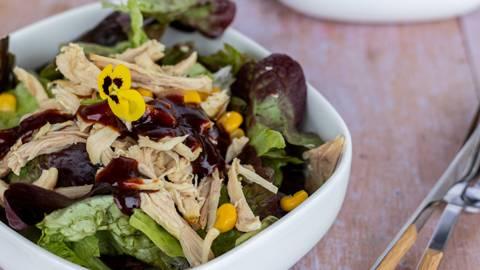 Pulled chicken BBQ Salat