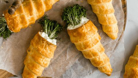 Blätterteig-Karotten mit Kresse