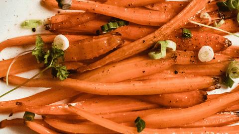Glasierte Honig-Butter-Karotten