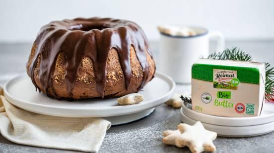 Weihnachtlicher Lebkuchen-Gugelhupf