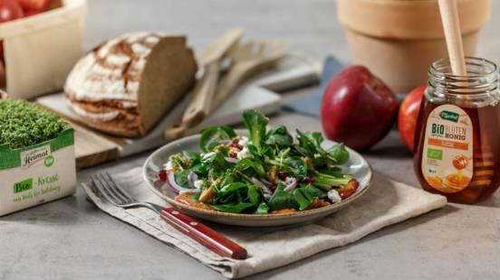 Vogerlsalat mit Granatapfel