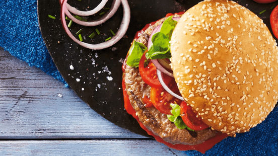 Klassischer Cheeseburger