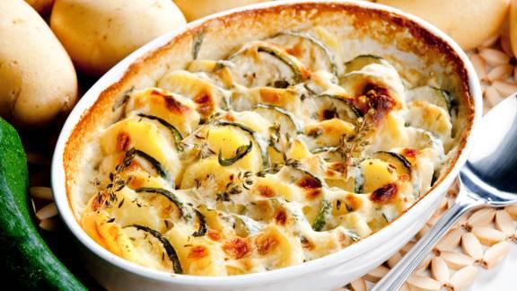 Kartoffel-Zucchini-Gratin mit Faschiertem