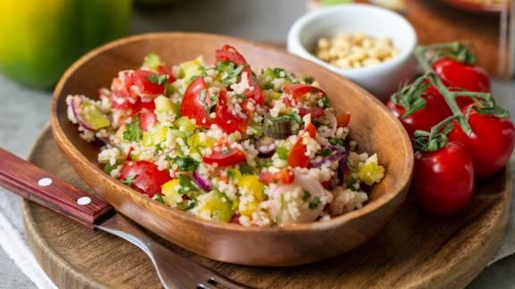 Vitaminreicher Tabouleh-Salat mit Gurke