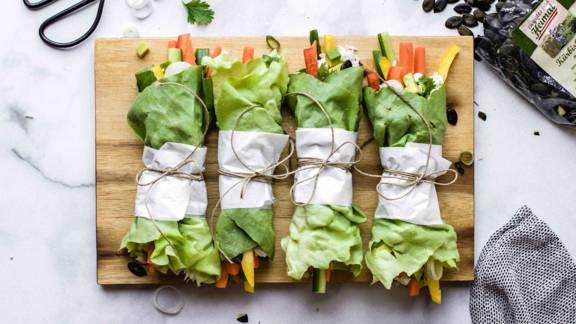Bunte Salatwraps