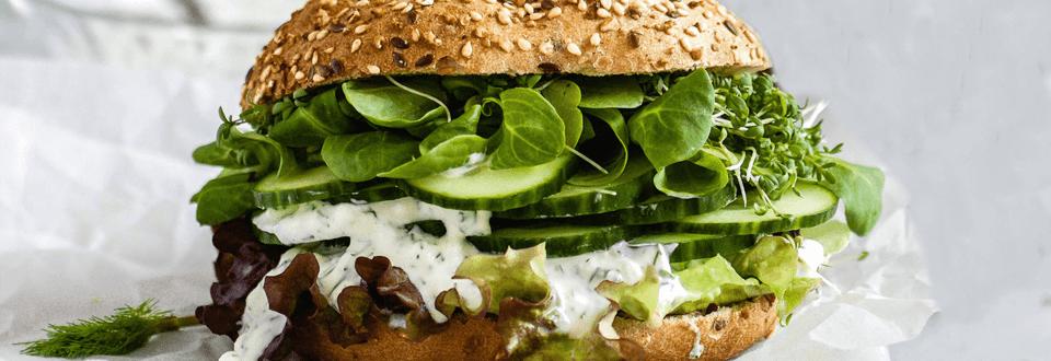 Gurken-Sandwich mit Dill-Aufstrich